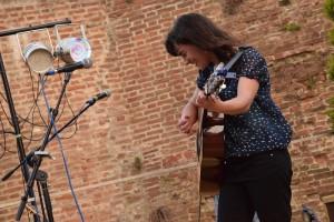 Linda Sutti Live