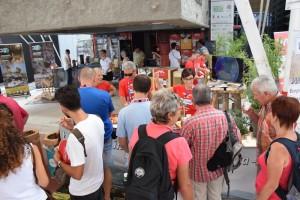 Turisti incuriositi dalla Val Tidone